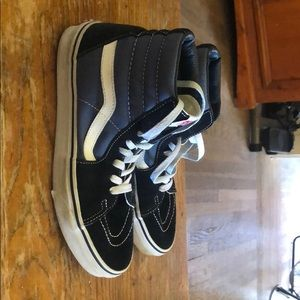 Women's size 9 high top vans